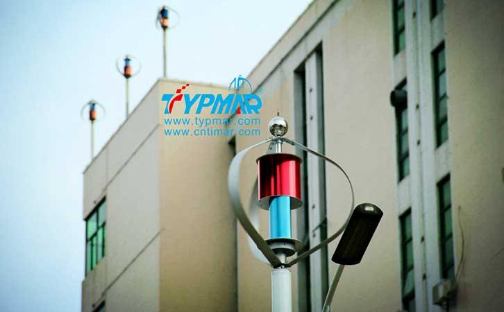 泰玛科技深圳总部大楼风光互补路灯