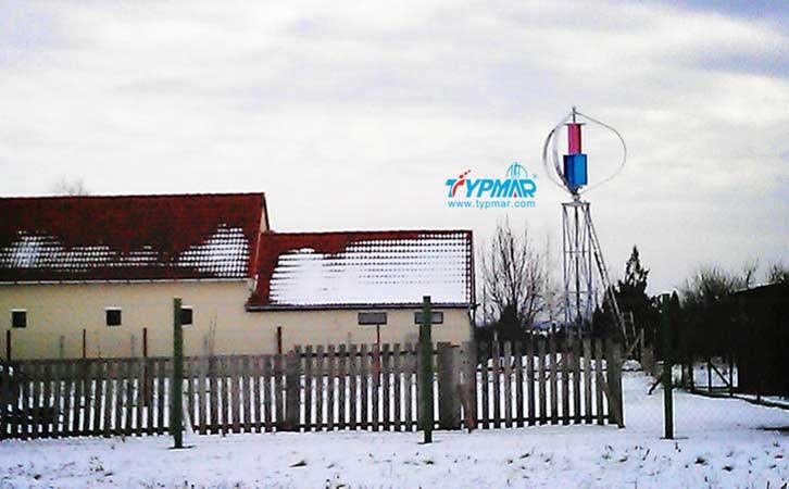 匈牙利家用风力发电系统 雪景