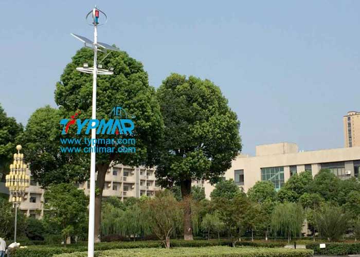 江苏常州体育中心照明灯用泰玛风光互补供电系统
